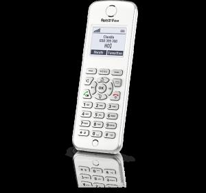 Il FRITZ!Fon M2 è un telefono DECT: puoi attaccarlo a una qualsiasi presa di corrente e lui si collegherà direttamente al modem.
